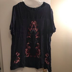 Tops - Boutique floral tunic